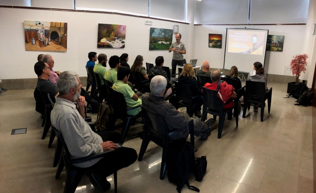 Workshop de identificação de aves e ciência-cidadã